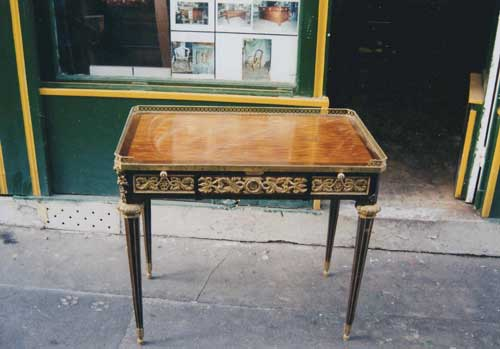 Avant restauration. Bureau Louis XVI