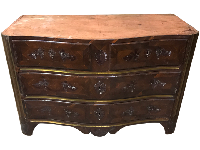 Avant restauration. Commode d'époque Louis XIV